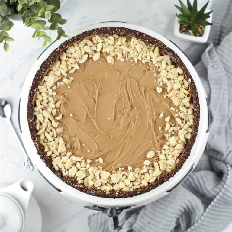 (tarta czekoladowo-orzechowa z kajmakiem 3) - zdjęcie z góry.