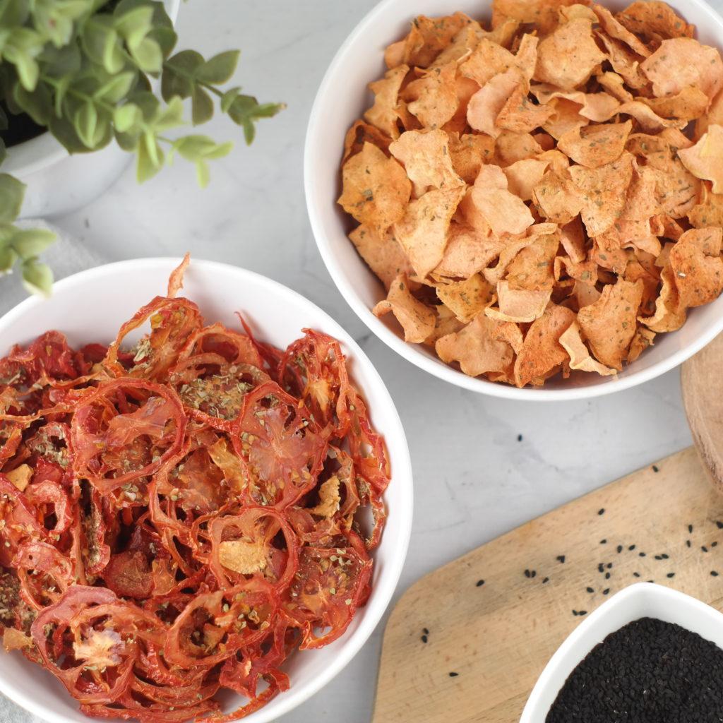Chipsy z batata i pomidora